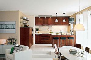 Jídelní stůl by měl navazovat na kuchyni a popřípadě i obývací pokoj, a je jedno, jestli jsou tyto vazby vytvořeny v jednom vícefunkčním obytném prostoru nebo v rámci několika místností.