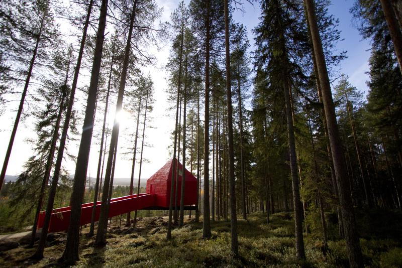 dřevěný dům v severském stylu je jednoduchý a střídmý