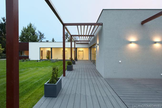 Atriový rodinný dům v Nemilanech u Olomouce