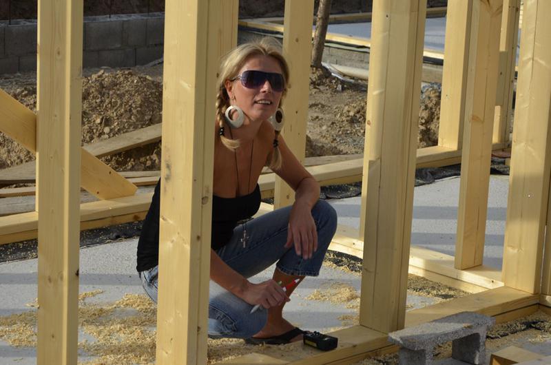 Žena na stavbě