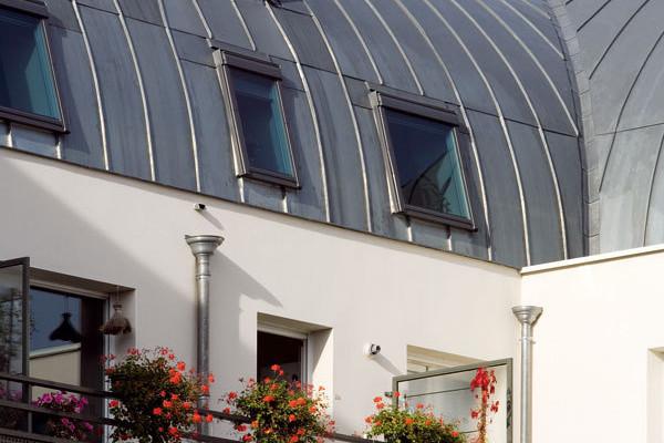 Vikýř versus střešní okno