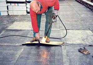 Jednoduché opravy plochých střech