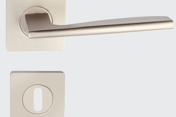 Správny výběr kování podtrhne styl interiéru