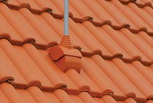 Doplňky jsou důležitou součástí střechy stejně jako základní tašky