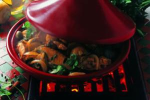 Originální francouzské keramické nádobí na vaření, pečení i stolování