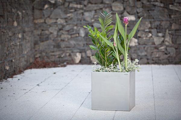 Produkty z nerezu oživí váš byt i zahradu