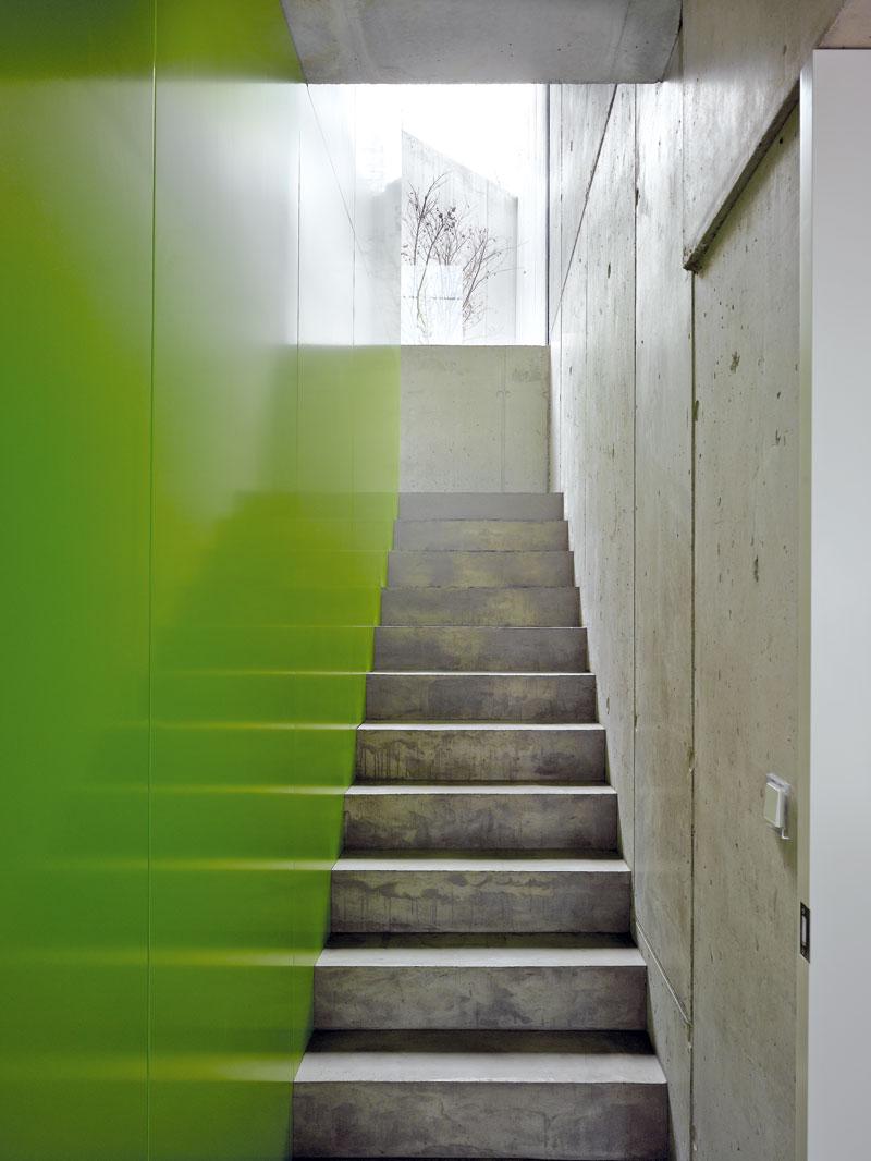 Zelená – druhá dominantní barva interiéru. FOTO: Filip Šlapal