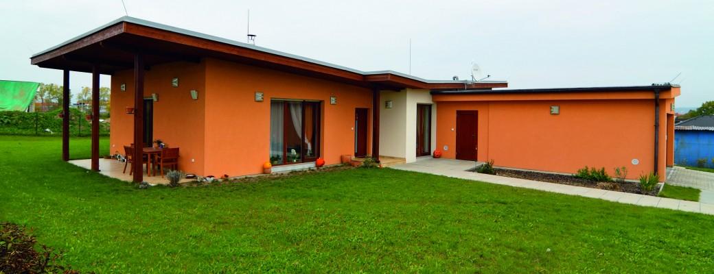 V jižních Čechách si postavil dům jako skládanku