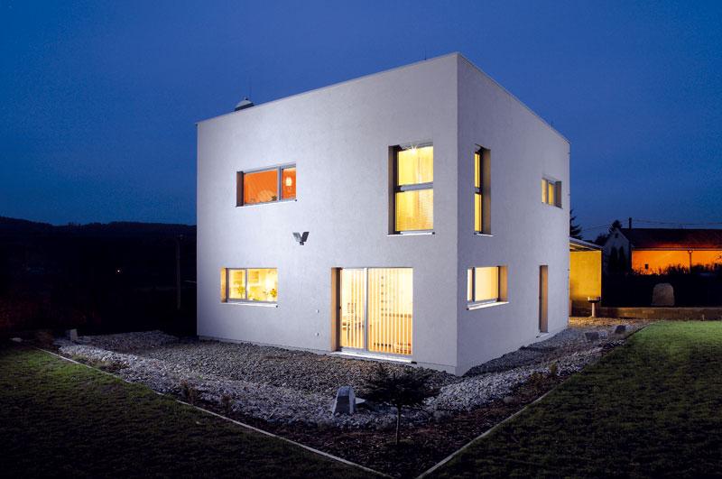 Otázku vlastního bydlení vyřešili stavbou pasivního domu
