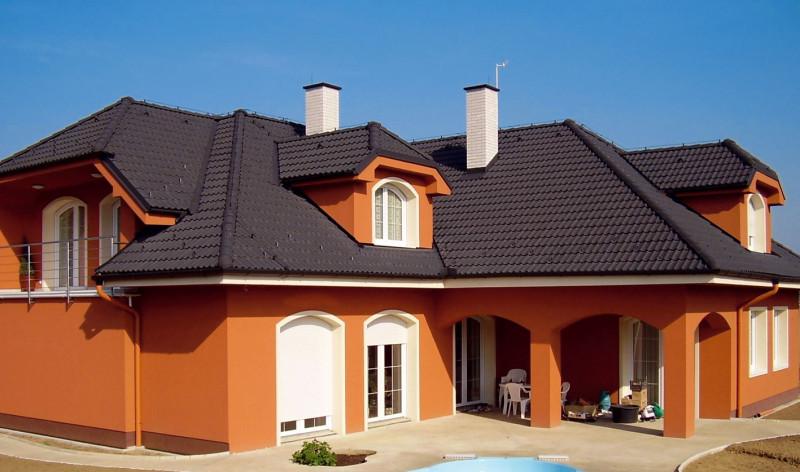Dnes výrobci střech nabízejí střechu vnejrůznějších barevných odstínech. (foto: KM Beta)
