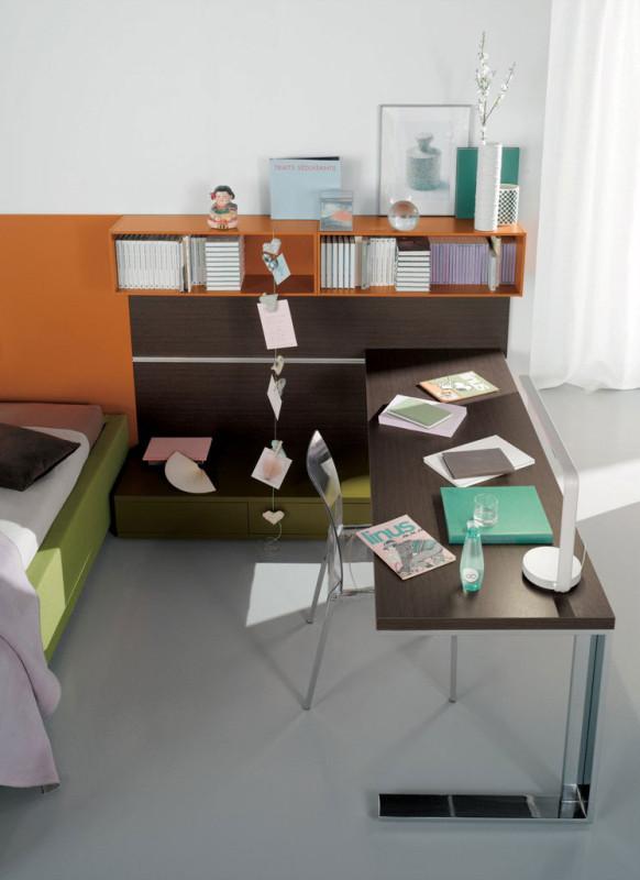 Pokoj zařízení neutrálně v tlumených barvách provede dítě od prvních školních dní až do dospělosti. Konkrétnímu věku ho můžete přizpůsobit spíše prostřednictvím drobnějšího nábytku, doplňků, textilu či tapet. (foto: Nardiinterni/Alax)
