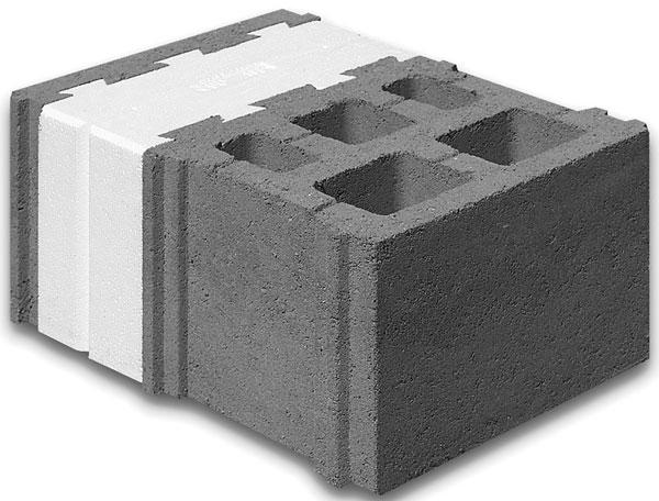 Stavební bloky systému Livetherm jsou bez další izolace na fasádě určeny pro výstavbu nízkoenergetických domů. Zdivo lze ponechat v pohledovém provedení, opatřit jej omítkou nebo dřevěným obkladem kotveným pouze do vnější skořepiny. Přesné betonové zdivo se zdí na tenkovrstvou maltu. Díky své přesnosti je zdivo určeno ke zdění na tenkovrstvou maltu. (foto: BETONOVÉ STAVBY - GROUP)