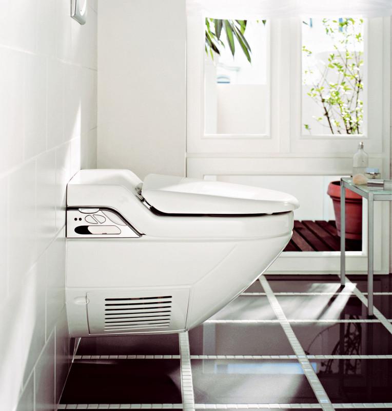 Závěsný systém toalety, případně také bidetu je výhodný izpraktického hlediska – úklid je snadnější, mopem se dostanete bez problémů do každého zákoutí. (Geberit)