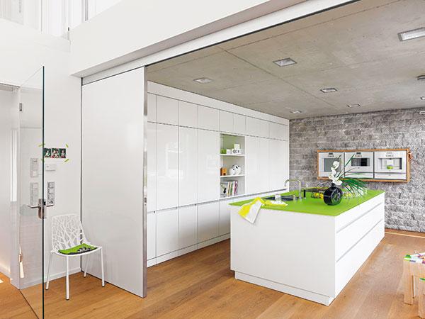 Praktická a moderní kuchyně, která se stala chloubou rodinného domu