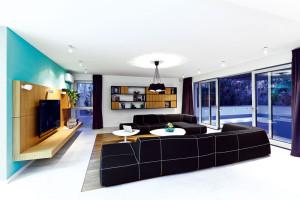Spojením dvou bytů získaly obrovskou plochu náročnou na zařízení
