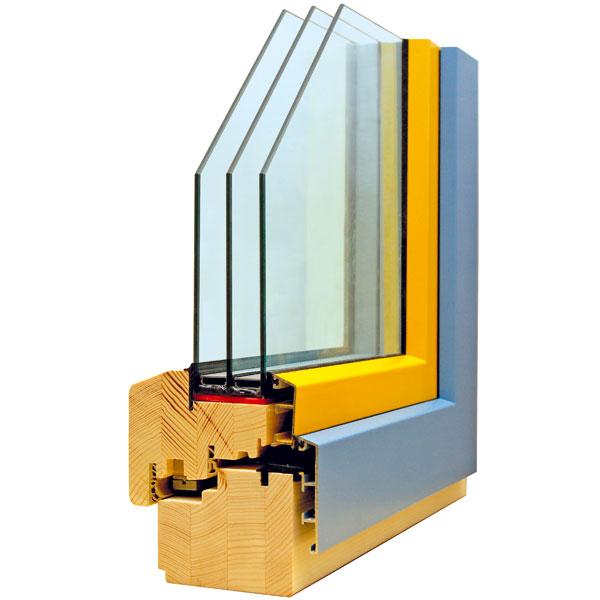 Profil Slavona HA110, dřevohliníkové okno sdřevěným profilem o síle 92 mm a vnějším hliníkovým opláštěním. Hliníkové opláštění nesahá na bocích a horní části okna až do kraje rámu, aby se tepelná izolace dala dotáhnout k dřevěnému rámu okna a nevznikal tepelný most. Proto jsou tato okna vhodná i pro instalaci do pasivních domů (součinitel prostupu tepla UW = 0,72 W/m2K). foto: Slavona