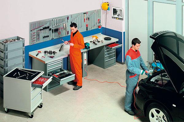 Vybavení garáže vhodné pro drobnější opravy a údržbu automobilu. foto: REGAZ