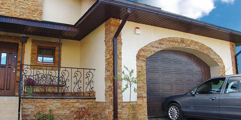 Když jsou garážová vrata a dům v souladu