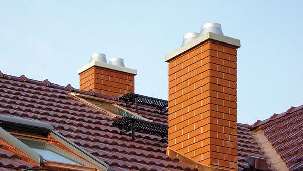 Na komíně s ukončením Uni Final si čáp nejspíš hnízdo nepostaví, ale o to lépe bude komín sloužit svému původnímu účelu. foto: Schiedel