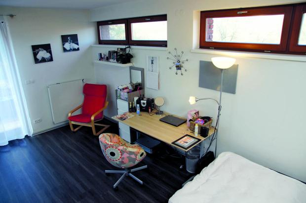Dětské pokoje mají praktické vinylové podlahy, k nerozeznání od dřeva.