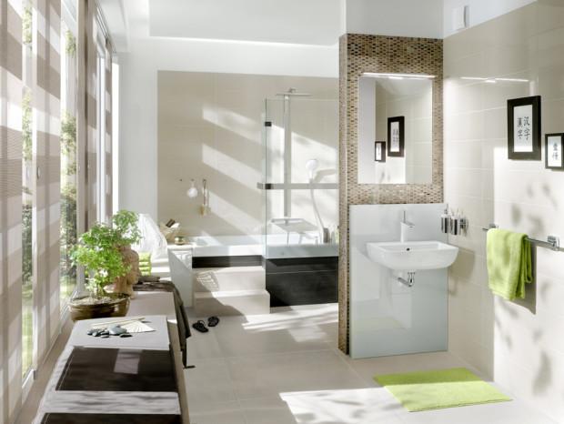 Stěnové topení lze kombinovat s téměř všemi obklady stěn. Zrcadla, držáky na ručníky apod. můžete upevnit jako obvykle. Pomocí přiložené termofólie se totiž dá snadno zjistit, kudy probíhají trubky ve stěně. (Foto: Viega)