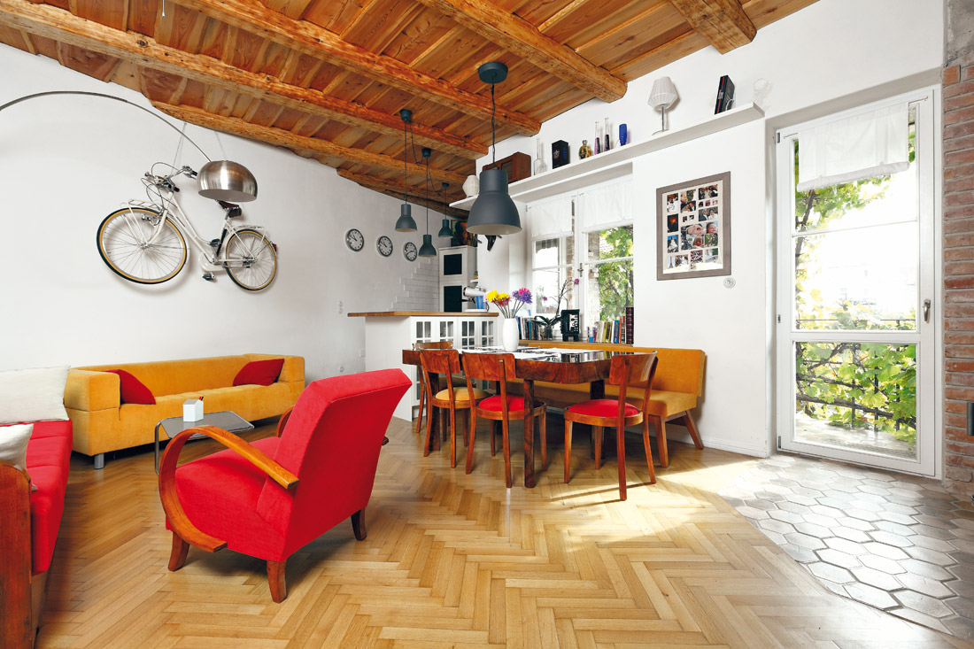 Rekonstrukcí navrátili starému bytu půvab starých časů