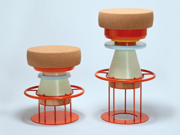 Tancující stolička La Chance Tembo s korkovým sedadlem, průměr 36 cm, výška 48 cm, £ 729, www.nest.co.uk