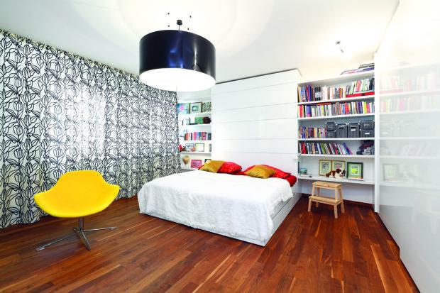 Ložnice je prostorná a komfortní, kromě pohodlné postele…