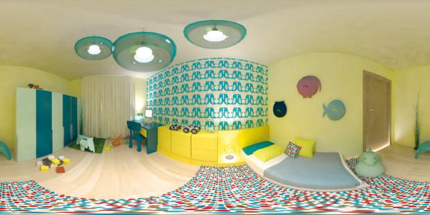 Kam ještě nedosáhnou. Ačkoli nejmenší nemají přístup k vyšším částem nábytku nebo stěn, není důvod, aby zůstaly prázdné. Kromě jednoduchých nátěrů na stěnách je živou obměnou tapeta. Výběr je téměř neomezený a prostor působí na dítě stimulativněji než příliš velké jednolité plochy. (realizace: Lucia Kušnírová)