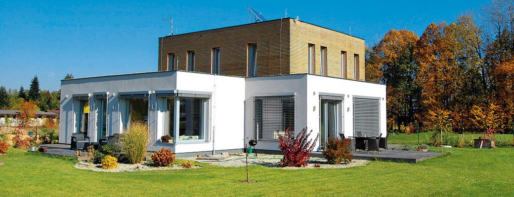 Neobvyklé vícegenerační bydlení pro tři rodiny v Ropici