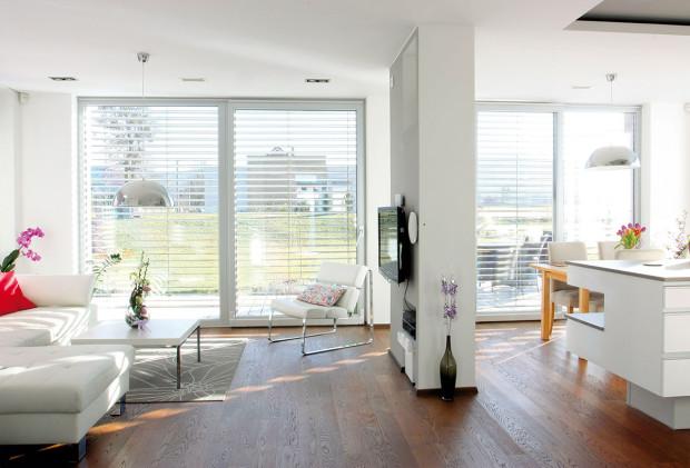Stavebníci hledali chytrá řešení pro každý detail domu, ato jak pro dispoziční rozmístění, tak ivkaždém kusu mobiliáře, ato již ve fázi přípravy projektu. FOTO Jan Beneš