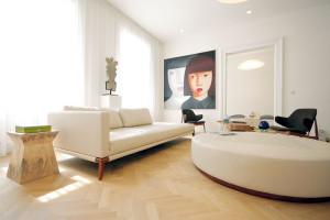 I navzdory zničenému interiéru majitel rozpoznal potenciál secesních prostorů
