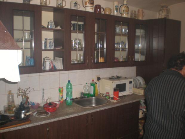 V původní kuchyni vládl jakýsi zvláštní mix. Reflektoval všechna období, během nichž byla tato místnost v provozu, ale výsledek byl trochu rozpačitý...