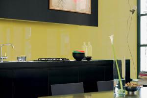 Skleněné aplikace v kuchyni – design a bezpečné řešení