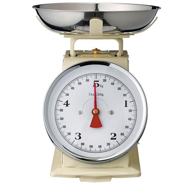 Kuchyňská váha Cream, kapacita 5 kg, průměr misky 21 cm, prodává Bella Rose, 1 329 Kč