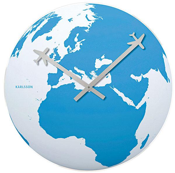 Nástěnné hodiny Karlsson Around the World, prodává Westwing, 499 Kč