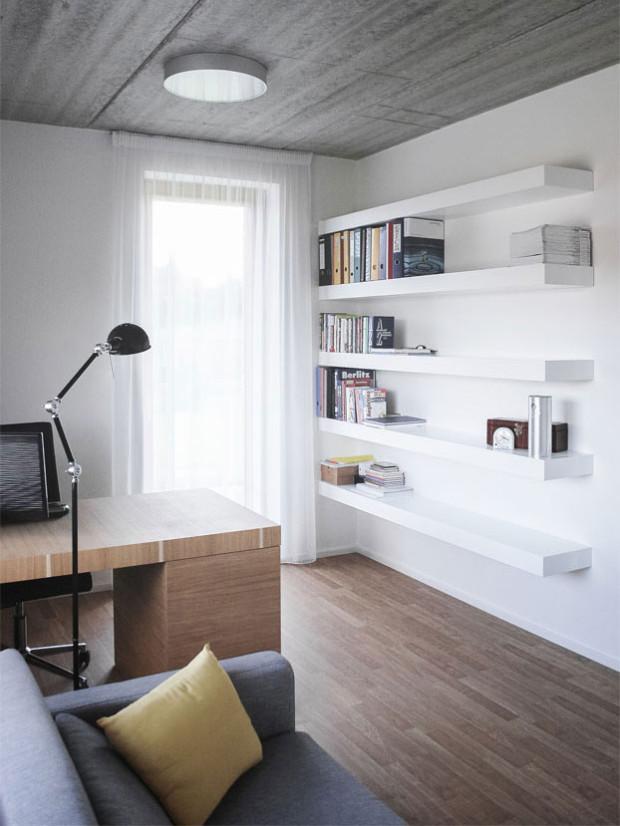 Interiéry jsou střídmé a praktické. Budou tak dobrou platformou pro život majitelů, kteří si dům zabydlí. Foto: Vojtěch Veškrna
