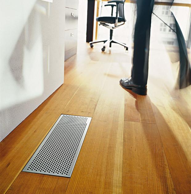 Jedinou součástí systému nucené ventilace, sníž přicházejí obyvatelé každý den do styku, jsou výstupy pro přívod aodvod vzduchu. Díky snahám předních výrobců lze dnes navrhnout vzduchotechniku tak, aby tyto vývody harmonicky zapadly do celkového vzhledu bytu či domu. FOTO ZEHNDER
