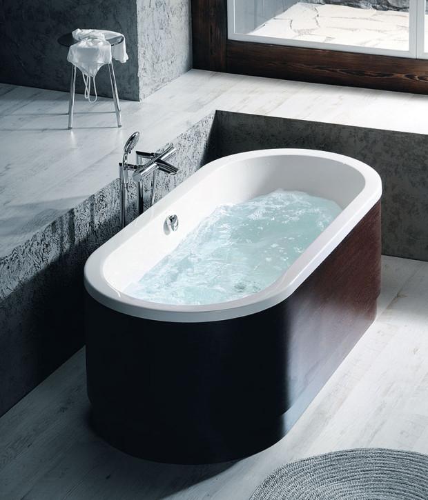 Instalováním hydromasážní vany změníte koupelnu na vlastní domácí wellness. Hydroterapie má vynikající relaxační, rehabilitační a léčivé účinky, posiluje tedy zdraví a imunitu.