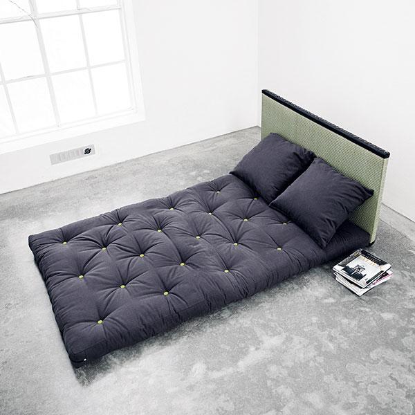 Tloušťka futonů se pohybuje mezi 12 a16 centimetry, váha od 20 do 50kg vzávislosti na složení arozměrech. Vyrábějí se vmnoha rozměrech atvrdostech se snímatelnými bavlněnými potahy, které lze prát. FOTO NEJFUTON.CZ