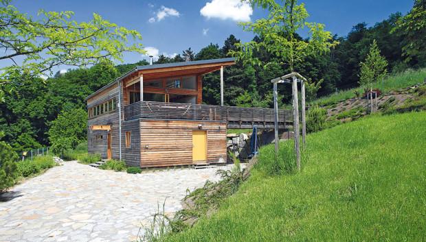 Výjimečný dům splněných přání na složitém pozemku