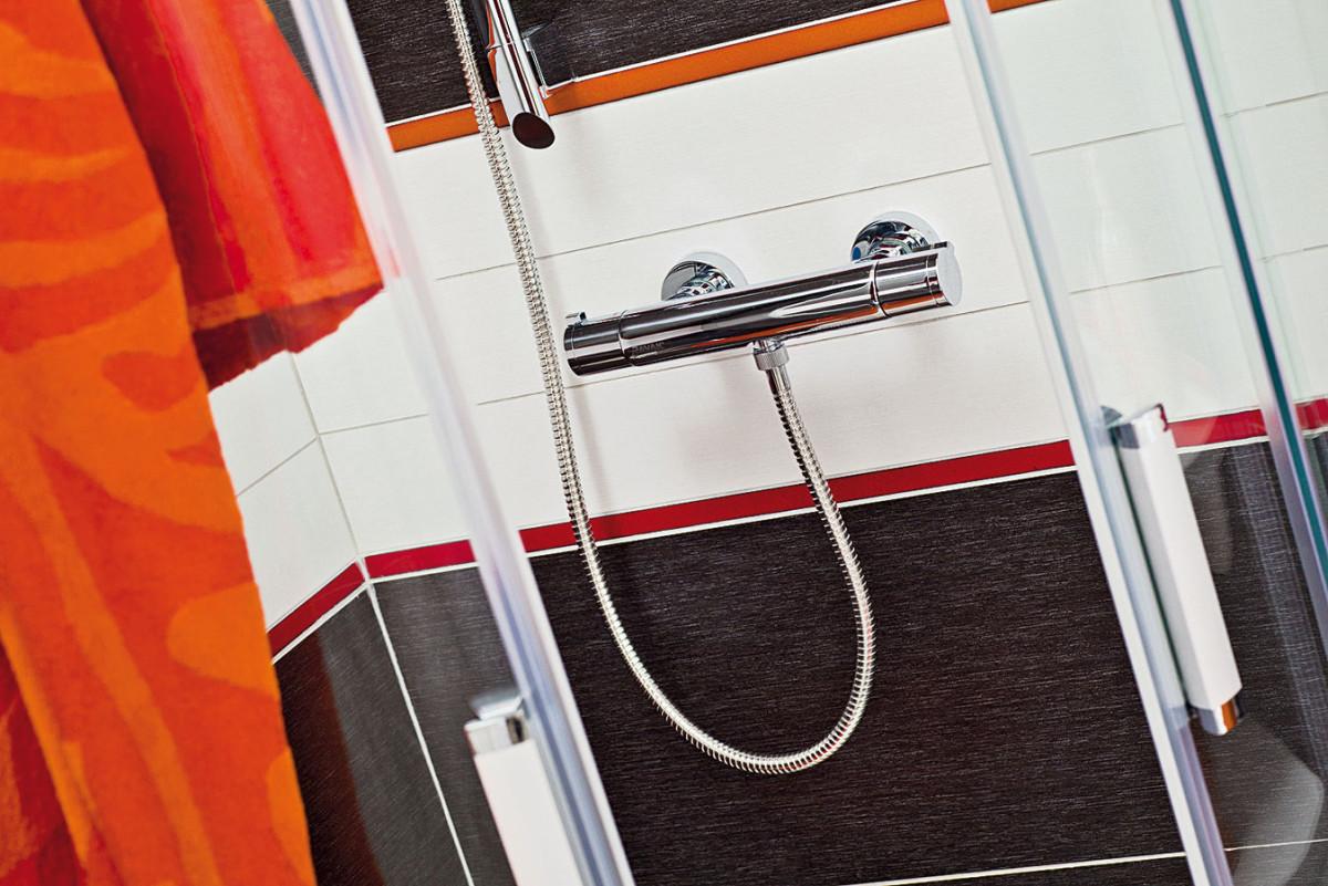 Stermostatickou baterií dosáhnete ideální teploty vody rychleji, takže zabráníte plýtvání vody při nastavování požadované teploty při sprchování. FOTO RAVAK