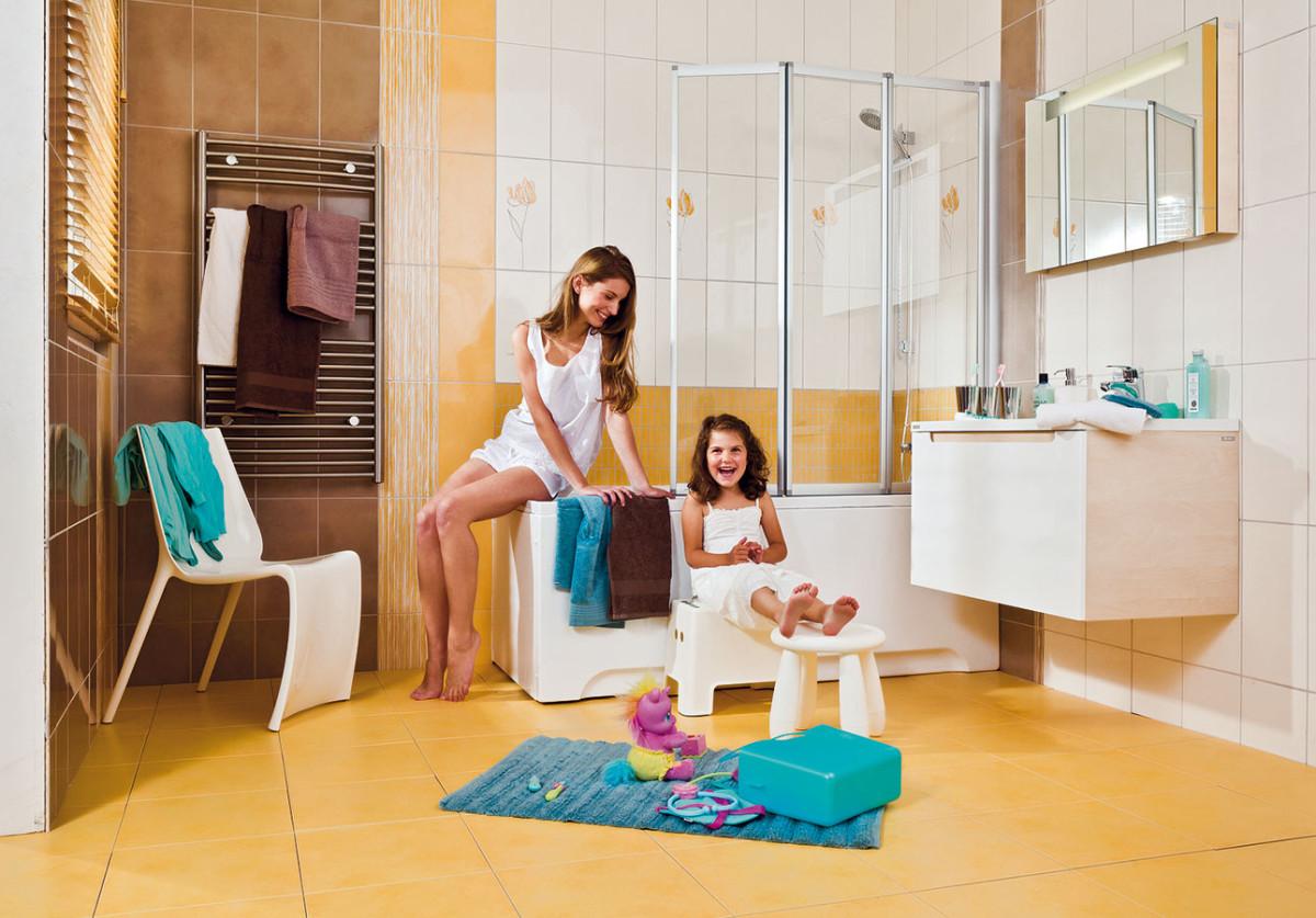 Do malých koupelen jsou kdispozici vany od 120 cm smožností doplnění ovanovou zástěnu. FOTO RAVAK