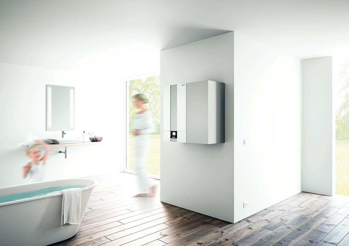 Kondenzační kotle nové generace jsou úspornější a šetrnější k životnímu prostředí (nejvyšší efektivita s čistým spalováním – energeticky efektivní koncepce BlueStream®). Vysoká technická úroveň, moderní a nadčasový design, výjimečná výklopná spalovací komora, umožňující mimořádně jednoduchou údržbu. Nová regulace umožňuje ovládání celého systému vytápění, solární techniky a větrání i prostřednictvím mobilního telefonu. FOTO WOLF