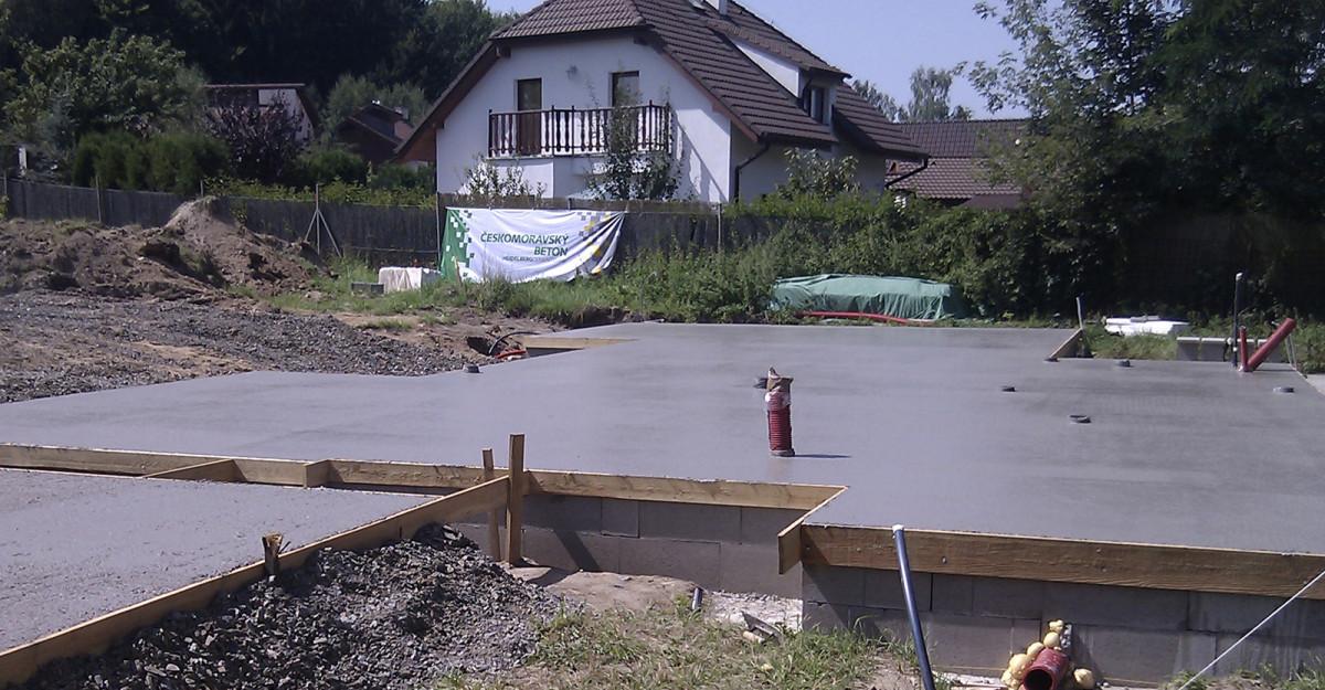 Hotová betonová základová deska RD