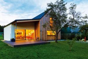 Pasivní dům v malebné vesnici postavili ze slámy
