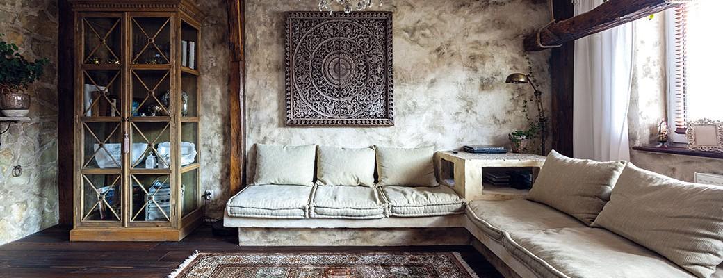 Svůj nový domov si zařídili v rustikálním stylu a nyní se cítí jako na dovolené