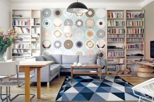 Byt, který zapůsobí klidnými barvami a výraznými vzory