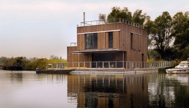 Víkendový dům na vodě, jaký jste ještě neviděli