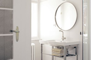 Prakticky asmírou. Byt si pronajali stím, že vybudují koupelny akuchyň. Mohli si je tak navrhnout podle svých představ. Samozřejmě, sohledem na to, že to byla investice do pronájmu. FOTO ROBERT ŽÁKOVIČ
